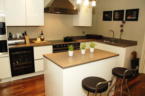 Interior design kitchen eae builders for Kitchen interior decoration images